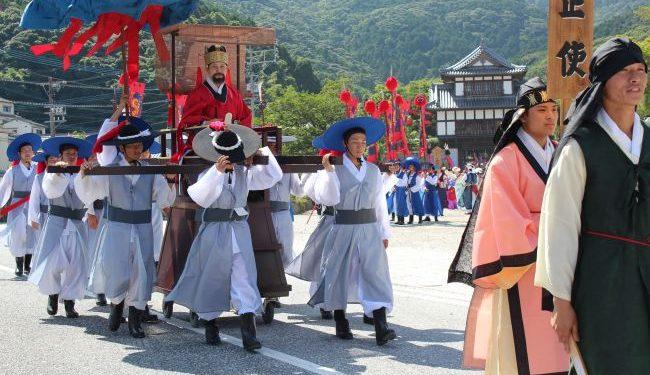 対馬市「朝鮮通信使行列」日韓関係改善願い